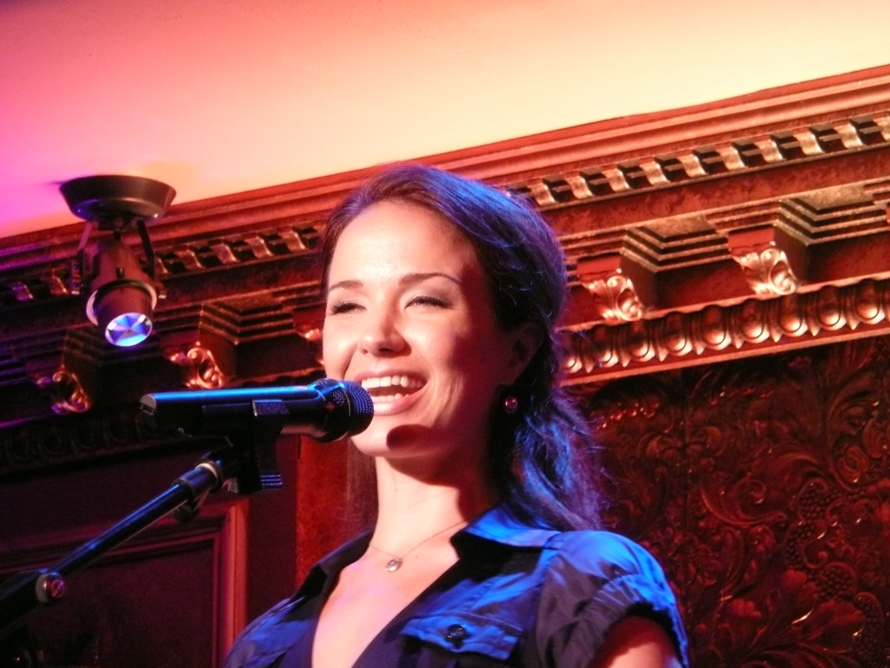 Sierra Boggess – Broadway's 'Ariel' Debuts at 54 Below (Video)