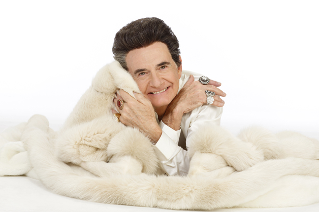 """""""All That Glitters"""" – Liberace Headed to Broadway"""