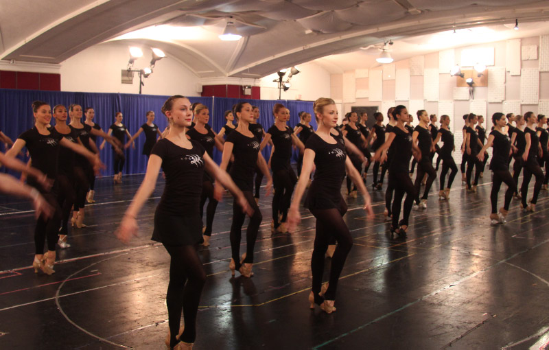 The Rockettes Kick into Gear for Christmas Spectacular (video)