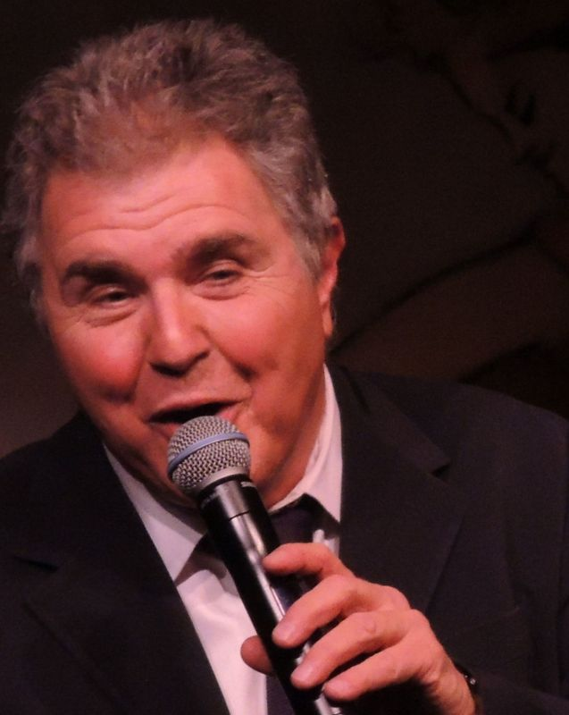Mr. Cool – Steve Tyrell Steps into the Café Carlyle (video)