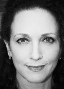 Bebe Neuwirth Back on Broadway For 3rd X in Chicago