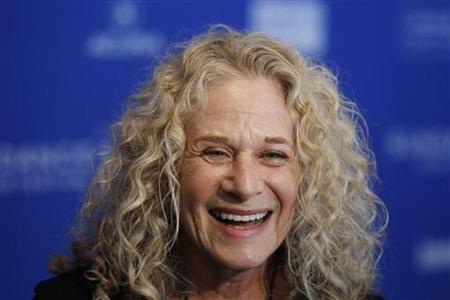 """Carole King Attends """"Beautiful"""" For First Time"""