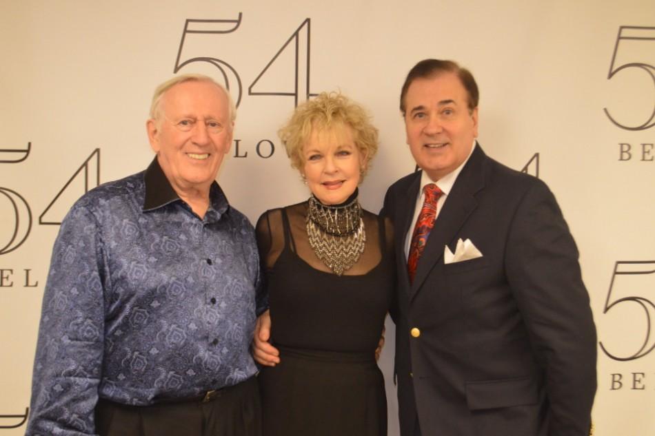 54 Sings 'Applause'