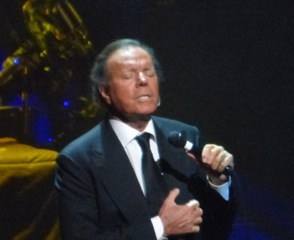Julio Iglesias Seduces Sold Out Crowd at NJPAC