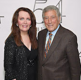 "Maureen McGovern: ""Sing, My Sisters, Sing"" and Tony Bennett"