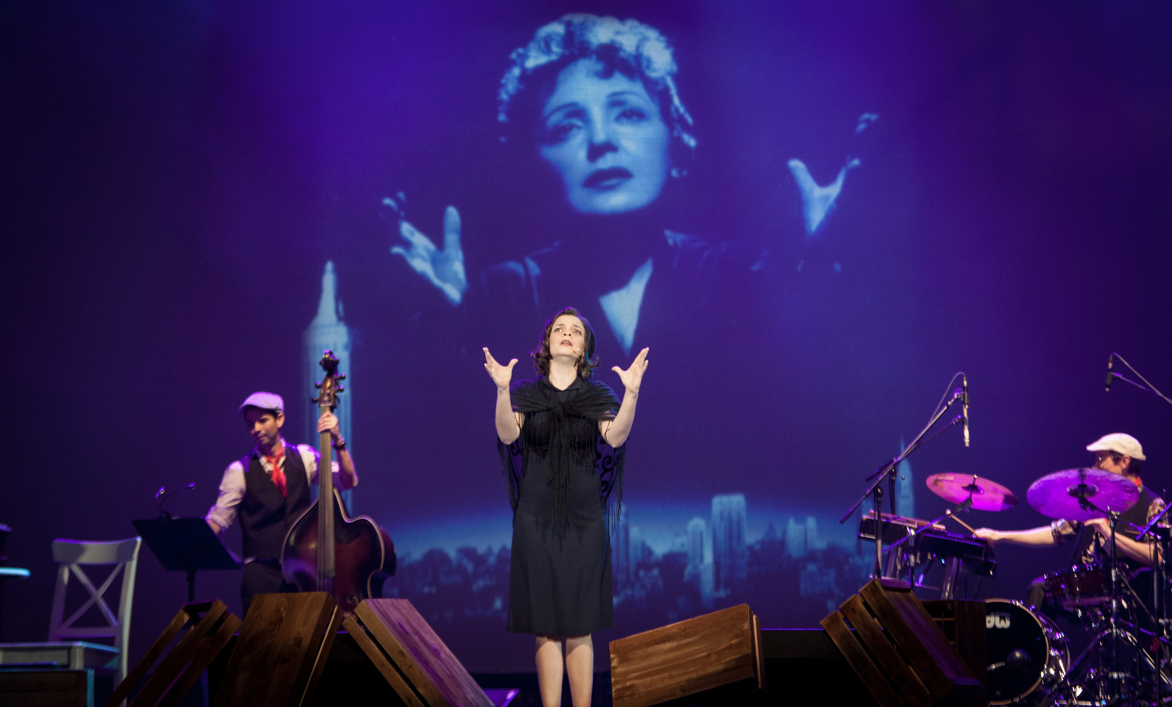 Anne Carrere in Piaf! The Show- Extraordinaire