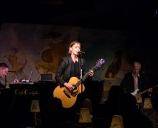 Suzanne Vega Makes Her Café Carlyle Debut
