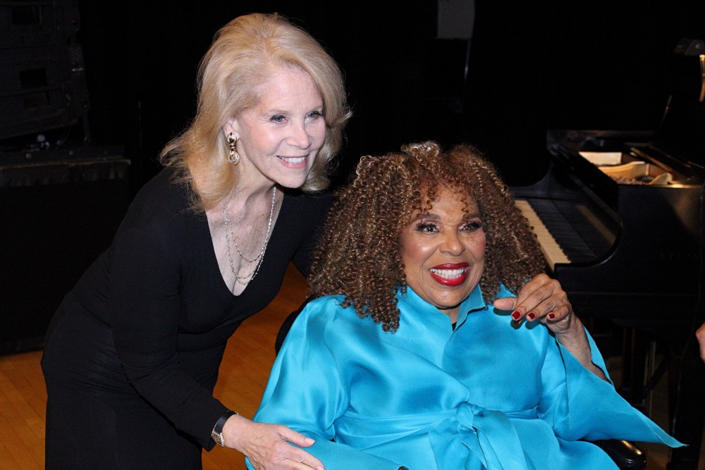 Roberta Flack & Daryl Roth Honored with Town Hall Friend of Arts Award