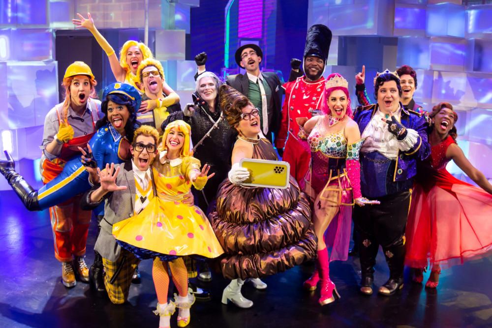 Emojiland: The Musical: 😜