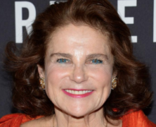 Tovah Feldshuh Sings for Fans